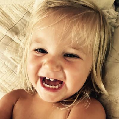 بالصور اطفال يضحكون , احلى ابتسامة اطفال بالصور