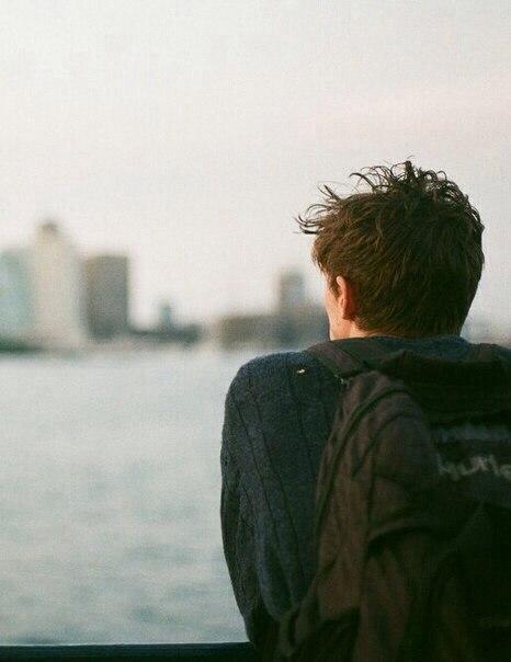 بالصور شباب حزين على البحر , صور حزينة للشباب 419 6