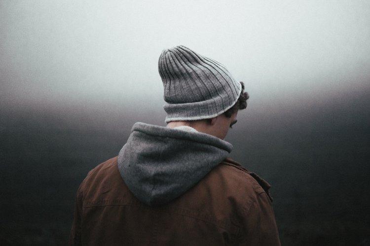 بالصور شباب حزين على البحر , صور حزينة للشباب 419 7