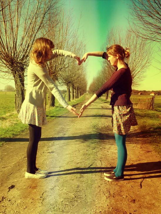 بالصور صور بنات اصدقاء , اجمل صور لصداقة الفتيات مع بعض 3148 2