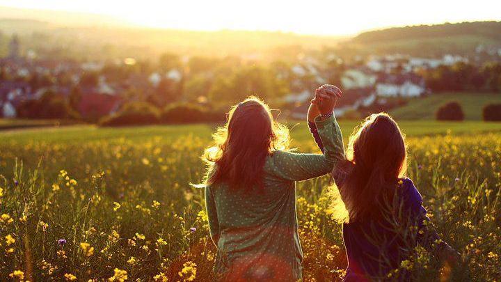بالصور صور بنات اصدقاء , اجمل صور لصداقة الفتيات مع بعض 3148 3