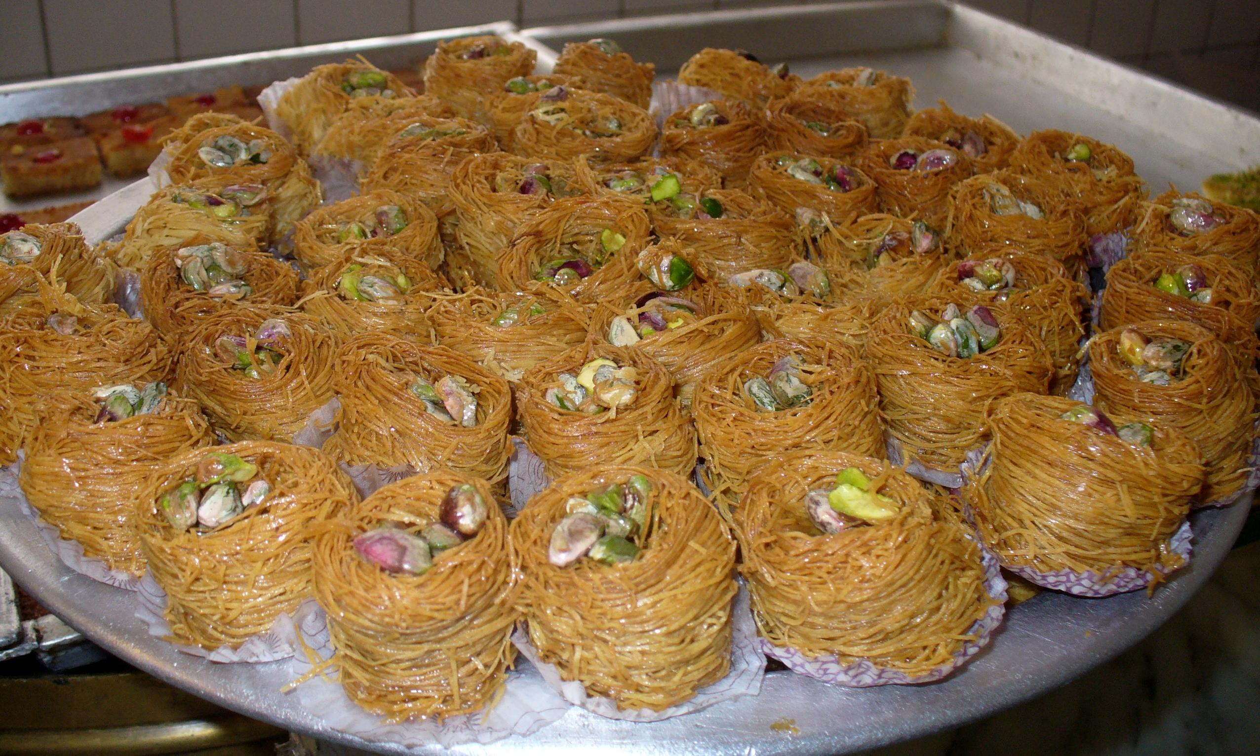 صور حلويات شرقية , اسهل طريقة لعمل الكنافة بسرعة ولذيذة جدا