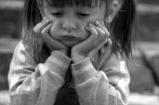 صور طفلة حزينة , دموع اطفال بريئة