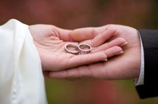 صورة كيف تجعل شخص يحبك ويتزوجك , ازاي الفت نظر شخص